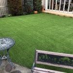 【大変な天然芝の維持管理から人工芝へ】